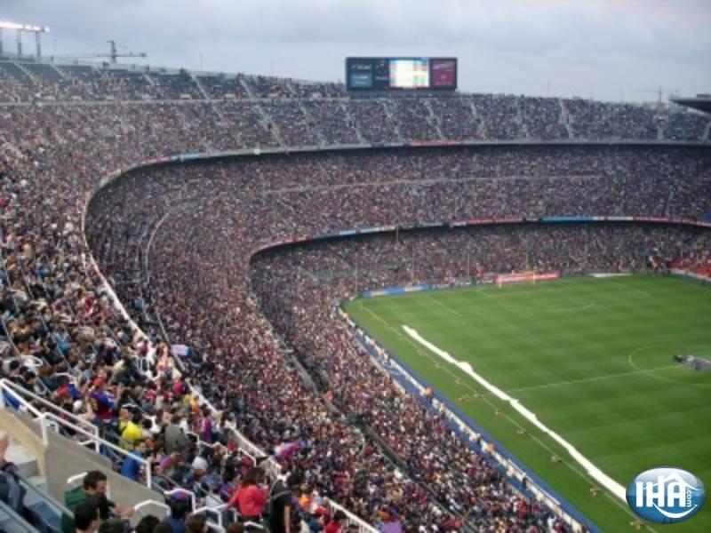 Mens du er i Barcelona kan du se de lokale helte spille på Camp Nou med plads til 90.000 mennesker.