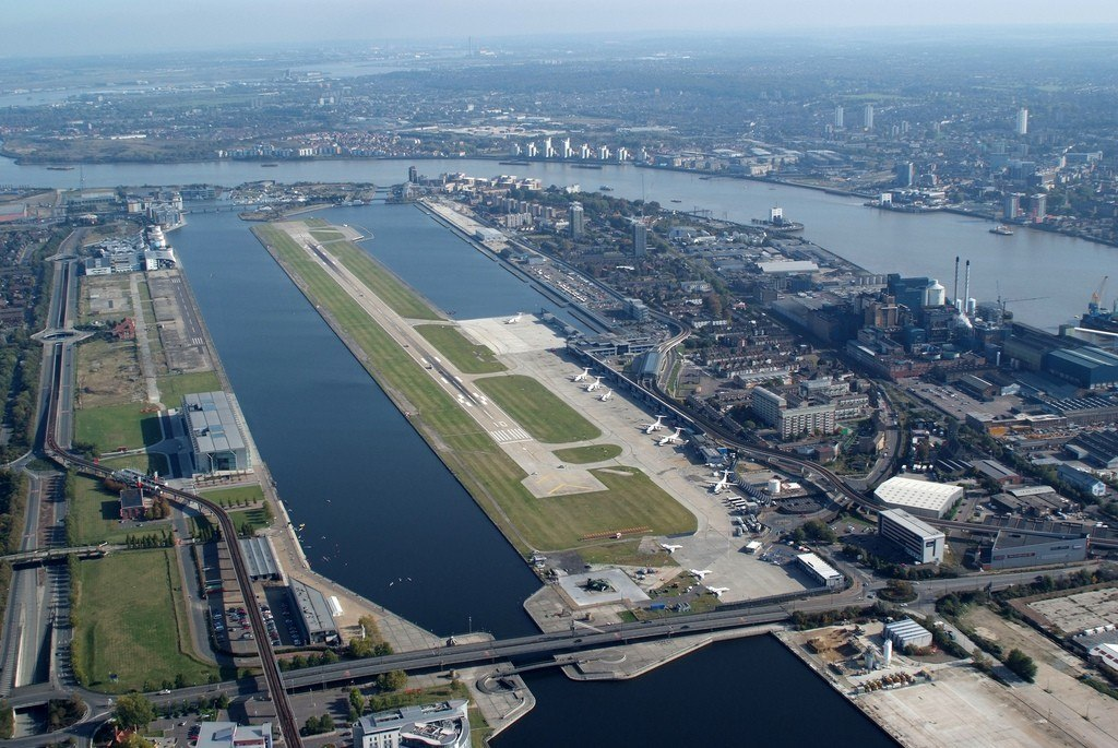London City Airport med landingsbaner.